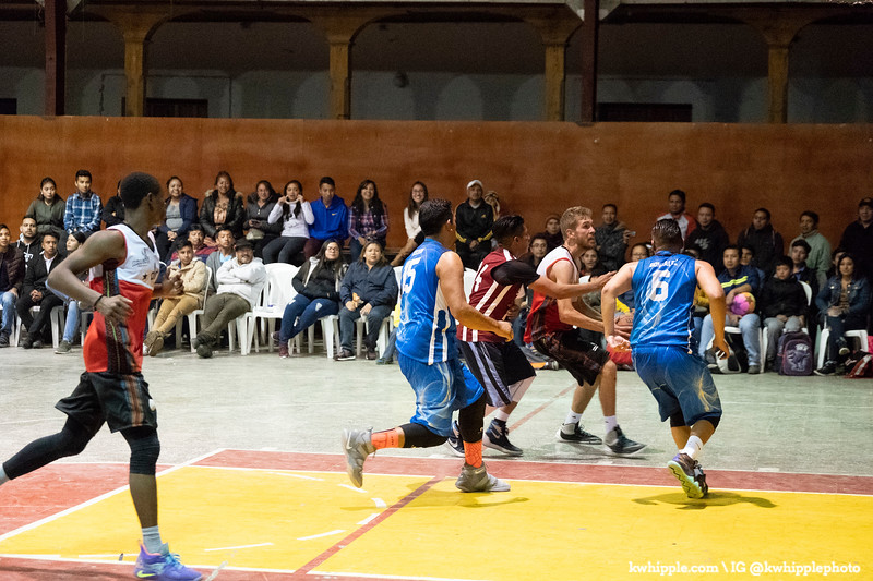kwhipple_hoops_sagrado_20180726_0670.jpg