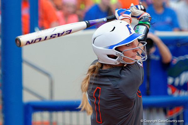 Super Gallery - Gators Softball vs South Carolina  4-4-2015