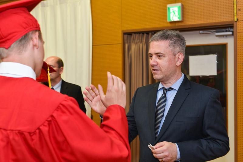 Senior -Graduation-DSC_5390-2018-19.jpg