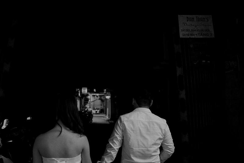 Tu-Nguyen-Destination-Wedding-Photographer-Saigon-Engagement-Shooting-Vietnam-Videographer-32.jpg