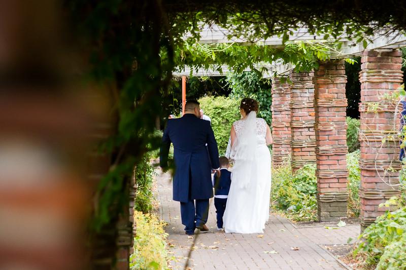 Mr and Mrs Lee-263.jpg