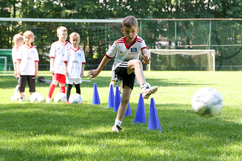hsv_fussballschule-152_48047991363_o.jpg