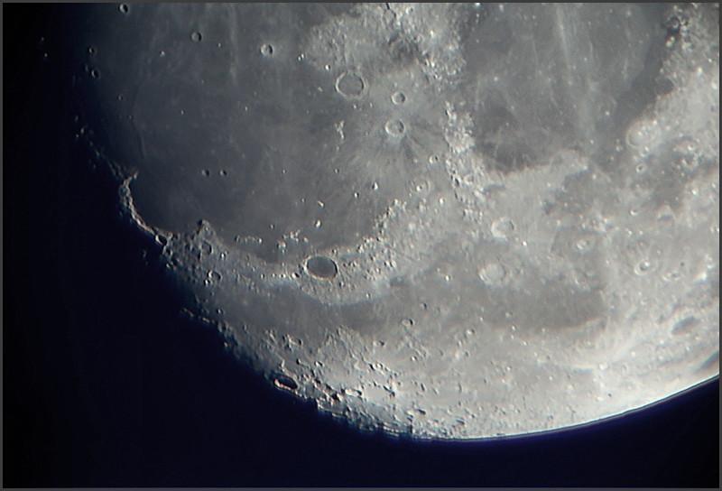 moon01082009_stacked3.jpg