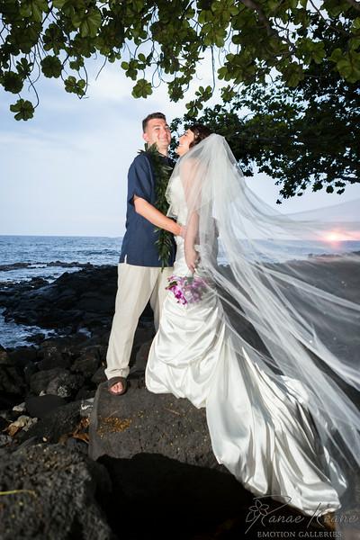 209__Hawaii_Destination_Wedding_Photographer_Ranae_Keane_www.EmotionGalleries.com__140705.jpg