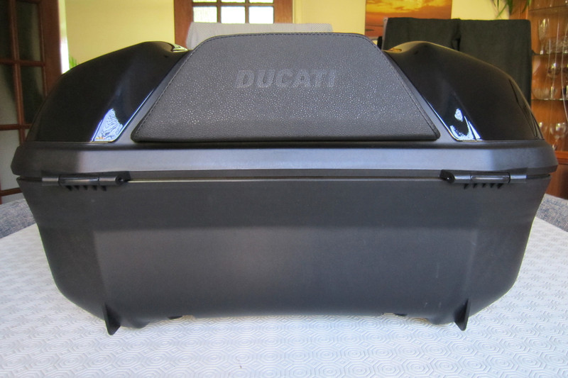 5/8: Back rest - Ducati (Givi) Top Case (Top Box / Topcase / Topbox) for the Multistrada 1200 See here for installation instructions (inc fitting the lock barrel): Multistrada 1200 Downloads - Misc Instructions & Other Documents