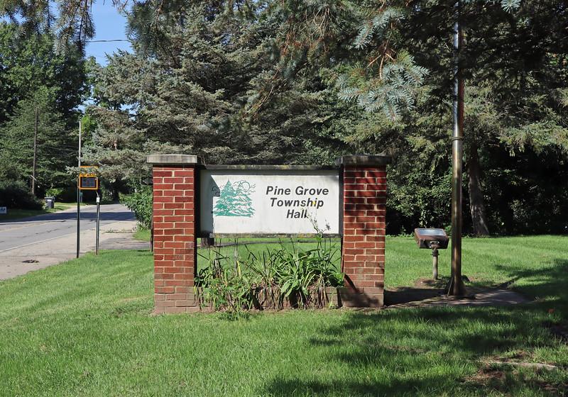 IMG_2618-pine-grove-sign.jpg