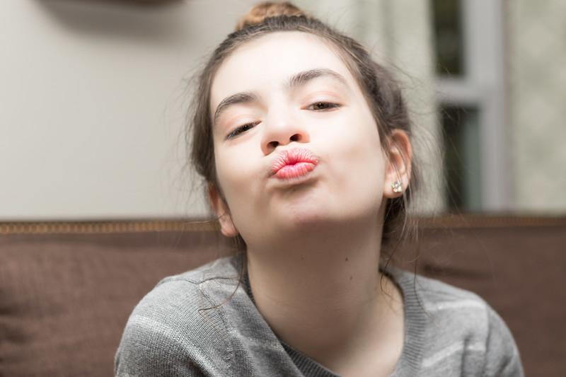 Sarah kiss.jpg