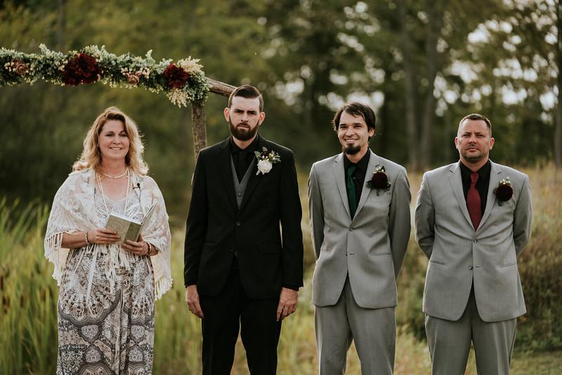 rustic_ohio__fall_barn_wedding-197.jpg