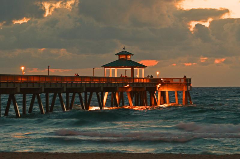 2011 Deerfield Pier Sunrise.jpg