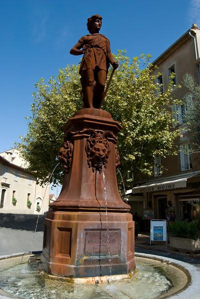 mougains statue.jpg
