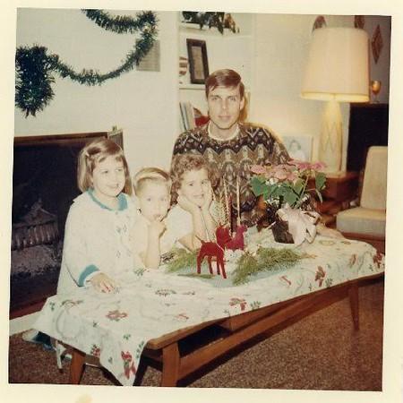 Denise, Dean, Dana & Uncie Christmas 1968