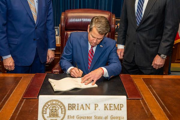 04.02.19_Bill Signing