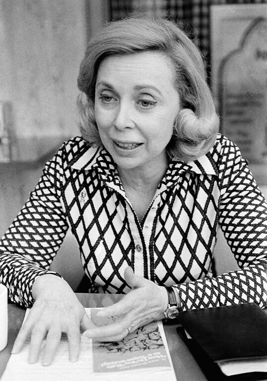 . Dr. Joyce Brothers, pictured in San Francisco on April 24, 1978 during an interview, is still an old-fashioned woman who won\'t tell her age, primps for photographers and is being paid to preach the virtues of aerosol products. (AP Photo/JP)