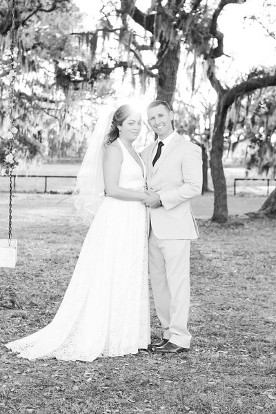Vino-And-Vows-Barrington-Hill-Weddings-Dade-City-Tampa-Area-Photographer-Winery-Wedding-Rustic-Wedding-Central-Florida-Photography-By-Laina-10.jpg