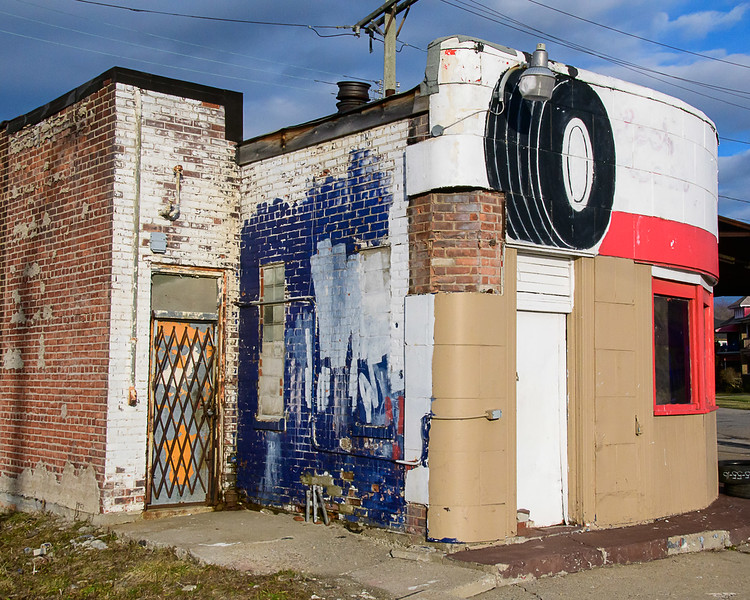 Tire Shop, Grand River Avenue