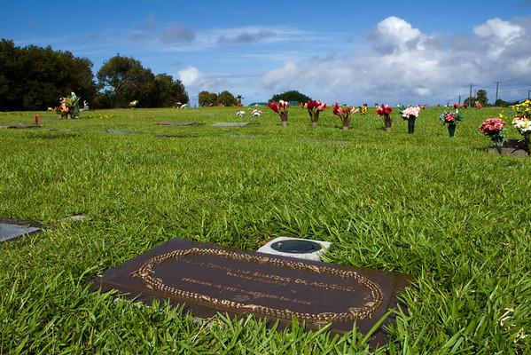 Holly Gravesite (11/10/08)