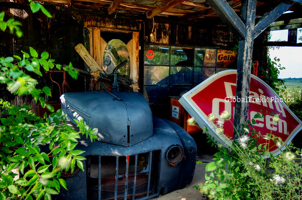 Antiques, Americana ..Echoes of the Past