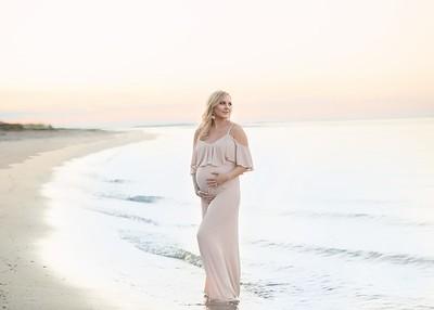 Dani Leaf- Maternity
