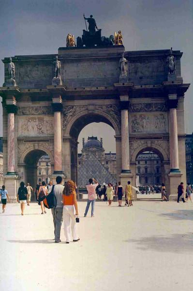Louvre 3.jpg
