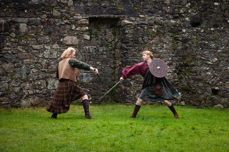 Kilchurn Castle sword fight
