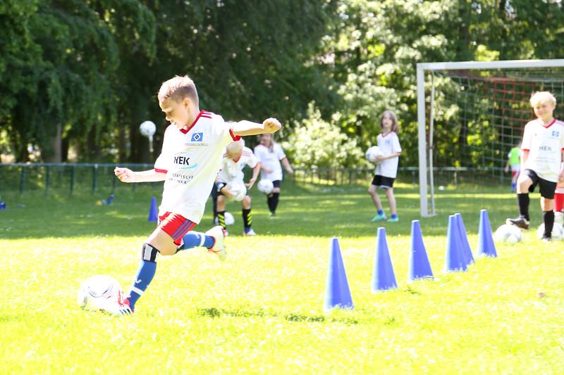 hsv_fussballschule-433_48048036922_o.jpg
