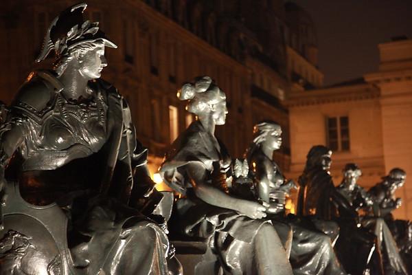 Sculptures, Statues & Wood Carvings