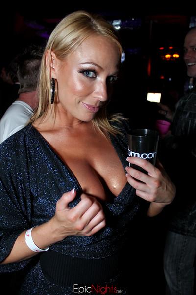 2011 Xbiz Awards--103.jpg