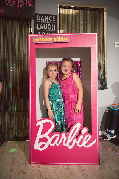 2020-0104-delaney-barbie-party-41.jpg