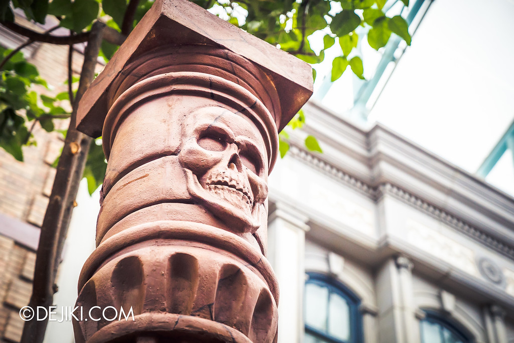 Universal Studios Singapore - Halloween Horror Nights 6 Before Dark Day Photo Report 2 - March of the Dead - skull column cap