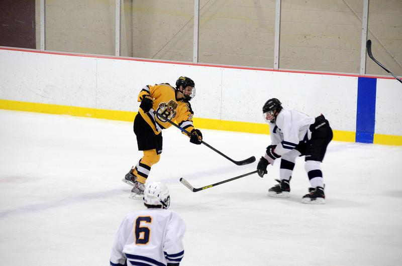 141004 Jr. Bruins vs. Boston Bulldogs-134.JPG