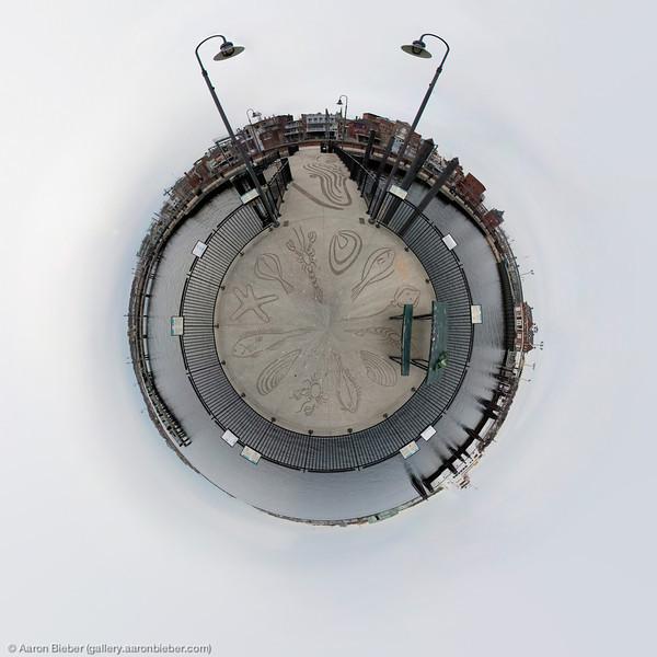 New London Pier Globe