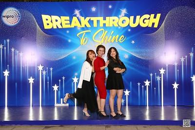 WIPRO | Year End Party 2020 instant print photo booth @ Van Loc Phat Palace Binh Duong | Chụp hình in ảnh lấy liền Tất niên 2020 tại Bình Dương | WefieBox Photobooth Vietnam