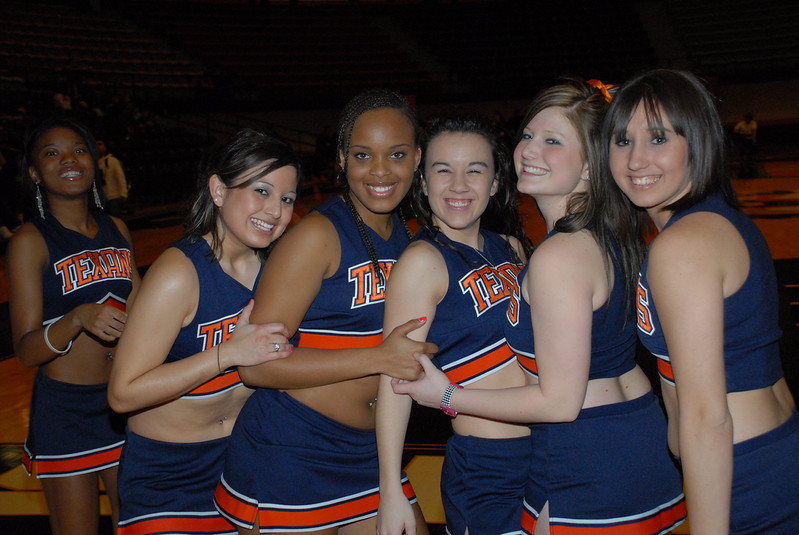 cheer-group-8213.jpg