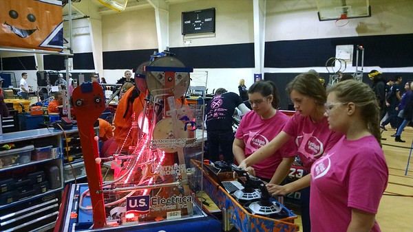 2014 Bloomfield Girls Robotics Competition