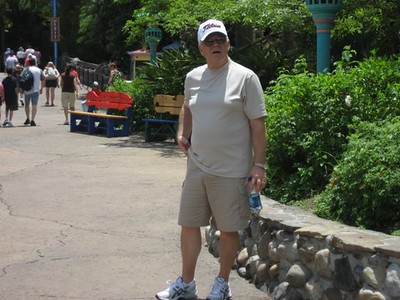 100515 Disney World - Mom & Dad Poff -1.JPG