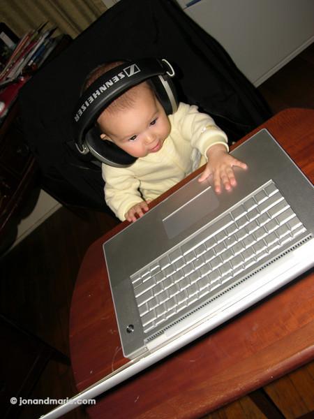 10/23 - DJ Pheebz
