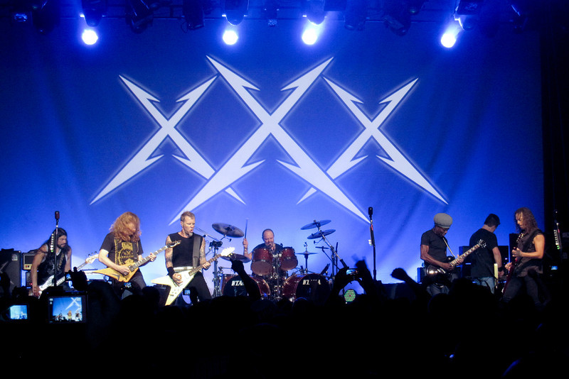 Left to Right:  Rob Trujillo, Mega Dave Mustaine, James Hetfield, Lars Ulrich, Lloyd Grant, Ron McGovney, Kirk Hammett