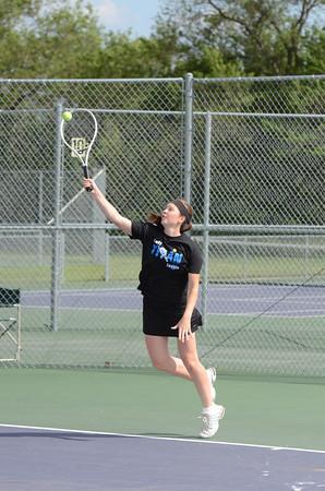 Girls Tennis vs LNE