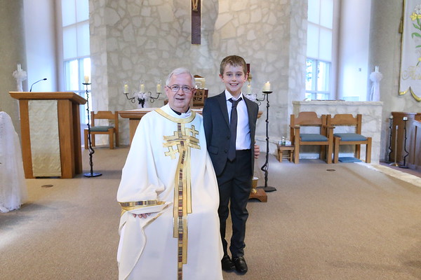 Father Conor with Communicants 2018