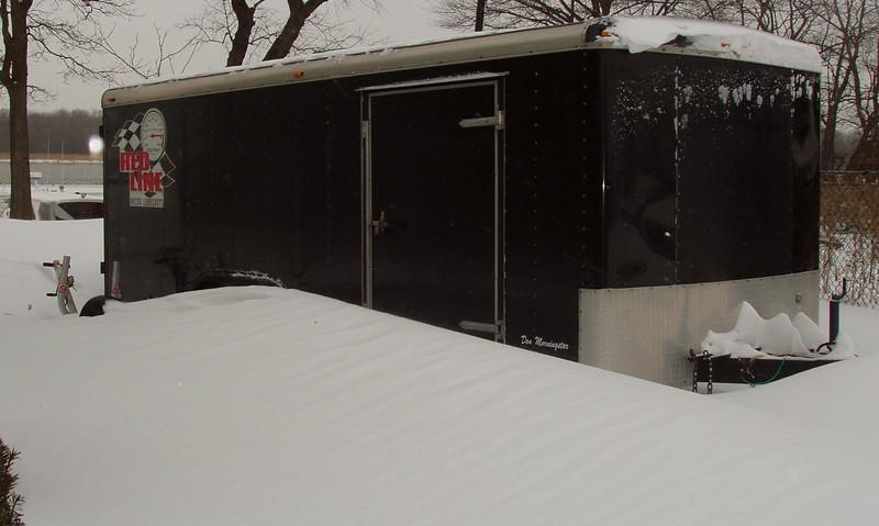 trailer in snow 2 03.jpg