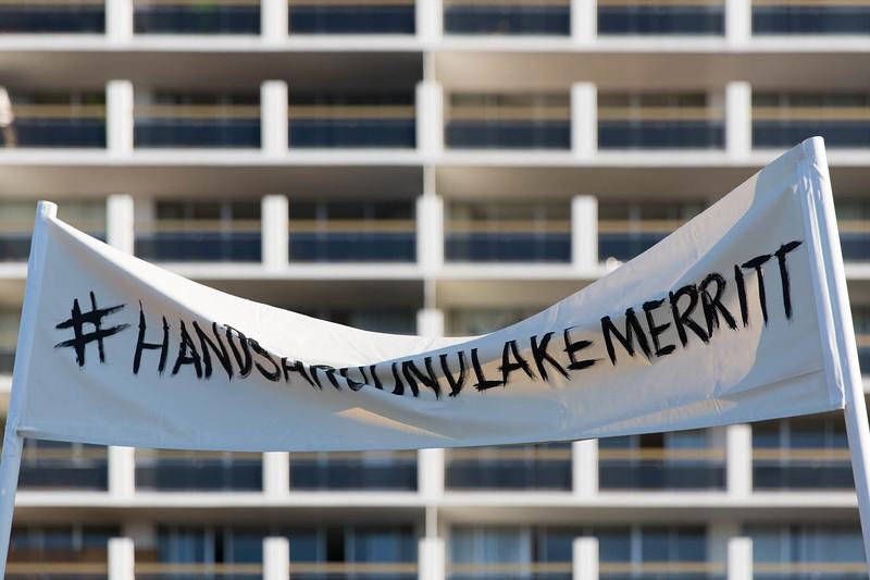 20161113 - 974C6337 -Hands Around Lake Merritt #HandsAroundLakeMerritt - photographed by Sam Breach 2016 - 1080 short edge.jpg