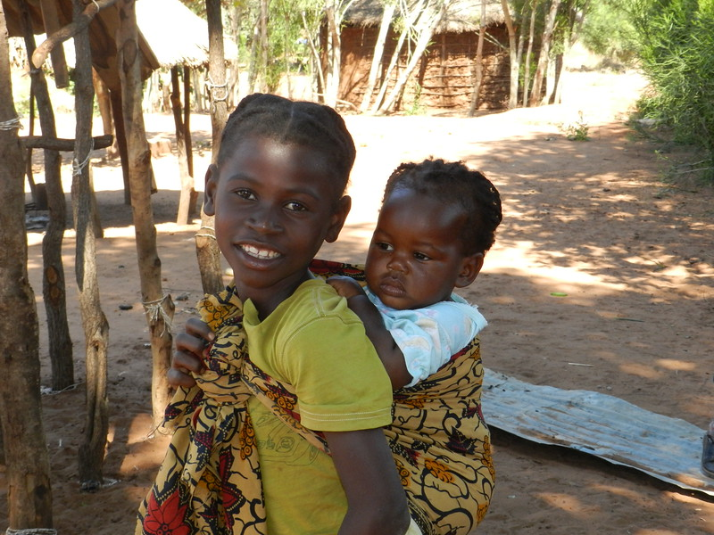 140 - Two more siblings - Zambian Village - Anne Davis