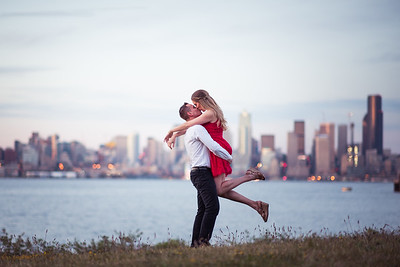UW Engagement | West Seattle Engagement | Lynley and Andrew | Seattle Wedding Photographer