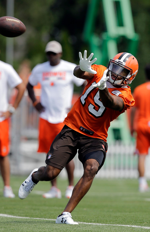 . Cleveland Browns wide receiver Mario Alford catches a pass during practice at the NFL football team\'s training camp facility, Thursday, July 27, 2017, in Berea, Ohio. (AP Photo/Tony Dejak)