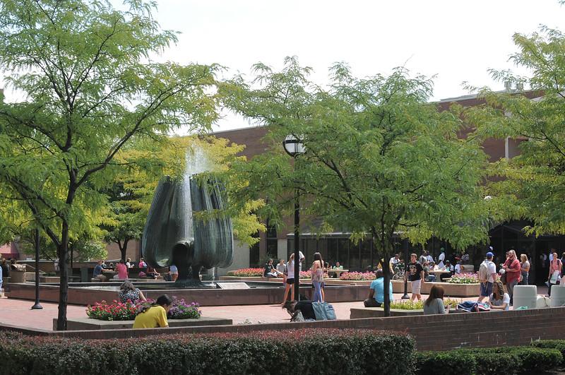 memorial fountain2372.jpg