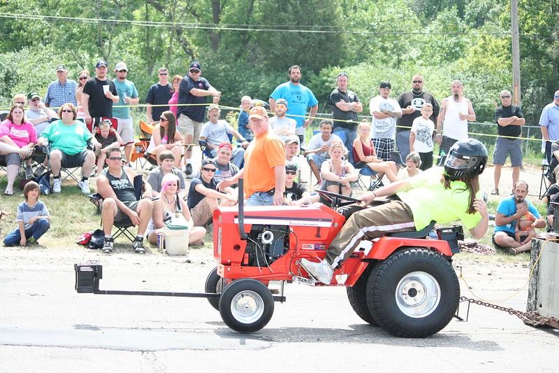 St. Paul Park tractor pull 2013 023.JPG