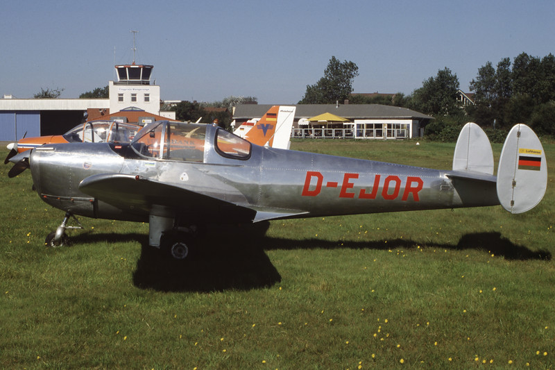 D-EJOR-ErcoErcoupe 415D-Private-EDWG-2002-09-03-MM-03-KBVPCollection.jpg