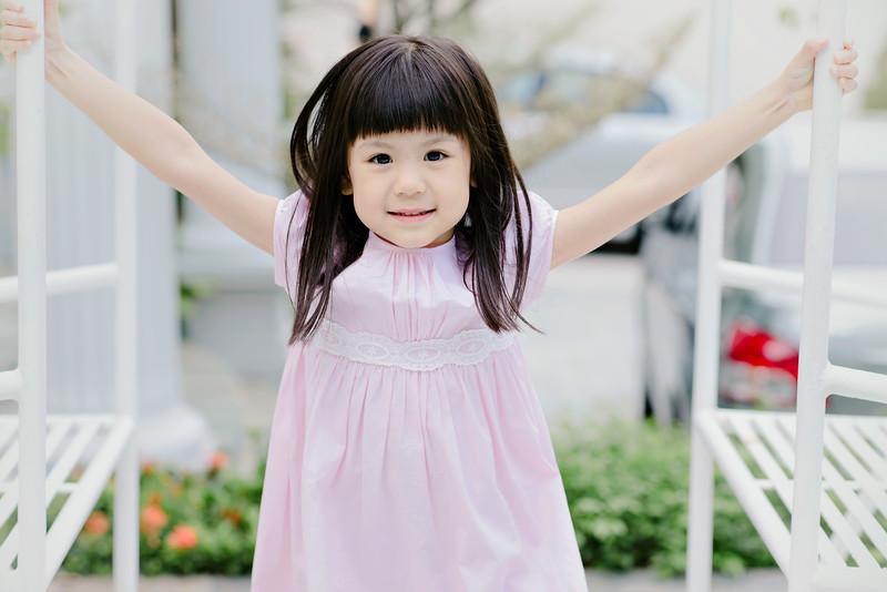 Lovely_Sisters_Family_Portrait_Singapore-4553.JPG