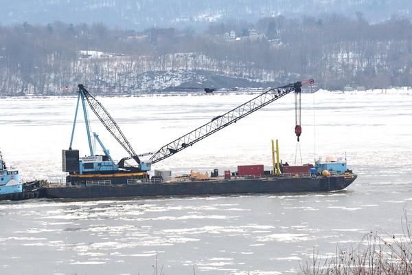 Donjon Marine barge Columbia