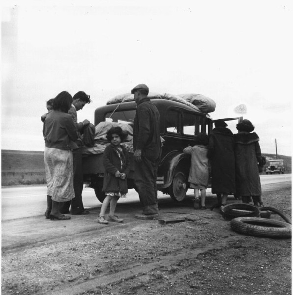 MigrantFamilyOfMexicans-1936-february.jpg